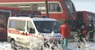 Ниш: Воз преполовио аутобус, најмање петоро погинулих, страдала и деца! (фото, видео) 10