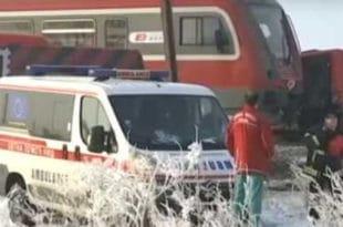 Ниш: Воз преполовио аутобус, најмање петоро погинулих, страдала и деца! (фото, видео)