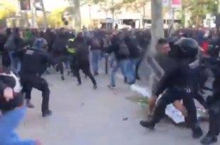"""Португаласка полиција брутално разбила протесте """"Жутих прслука"""" (видео)"""