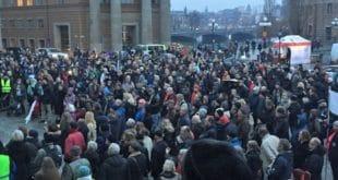 Пробудили се и Швеђани, почели протести против миграција! 1