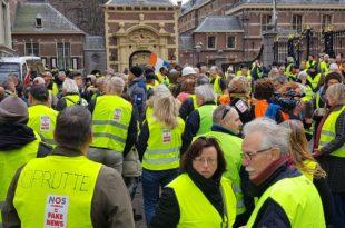 Холандија: Жути прслуци протестују и испред холандске владе! (видео)
