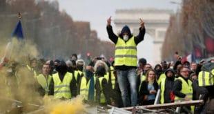 Француски глобалисти у паници забрањују протесте на Шанзелизеу! 5