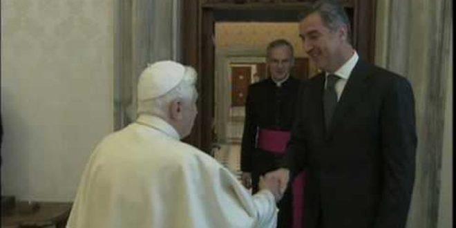 Масон и јеретик Мило води рат против Православља 1