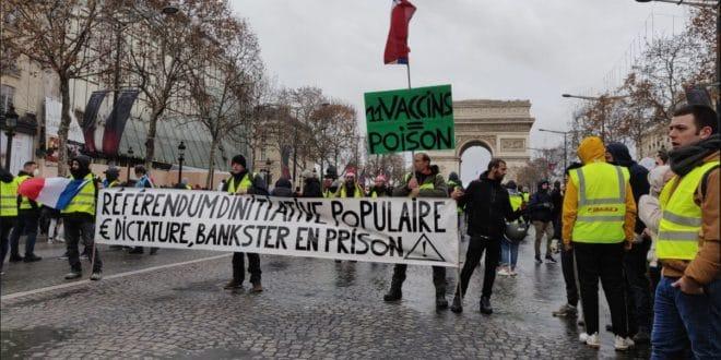 Опсадно стање, хапшења широм Француске (видео) 1
