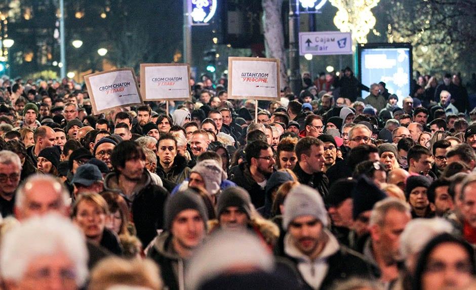 Београд: Најмасовнији протест против Вучића од његовог доласка на власт! (фото, видео) 2