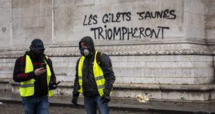 """""""Жути прслуци"""" манифестом са 25 тачака траже да Француска одмах иступи из ЕУ и НАТО"""