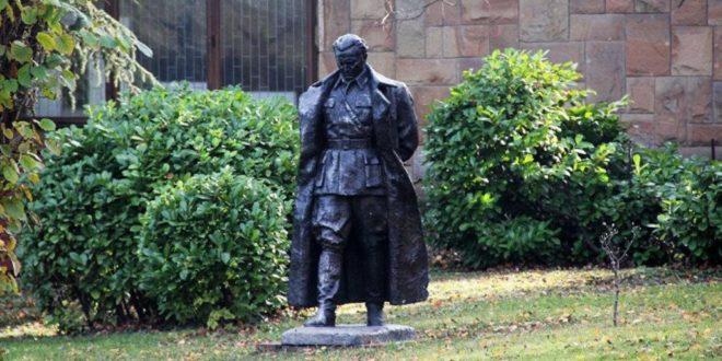 Масонерија подигла споменик Титу у Подгорици 1