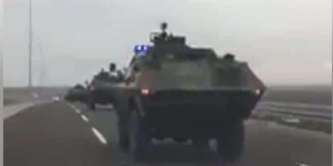 ПОЛУДЕЛИ ВЕЛЕИЗДАЈНИК борним колима и Жандармеријом и на народ у Србији (видео) 1