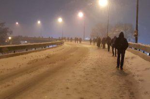 НЕЗАПАМЋЕНО! Београђани очајни, пешице се враћали кући, неки пешачили и по 10 километара! 10