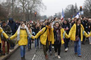 Десетине хиљада Француза марширало против абортуса и еутаназије