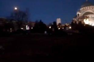 Погледајте полупразан плато испред Храма Светог Саве (видео)