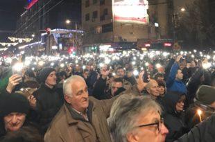 ПРОТЕСТНА ШЕТЊА: Цео Београд је на улици! (видео)