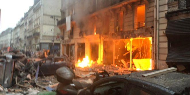 Центар Париза као ратна зона, мртви и повређени после страховите експлозије 1