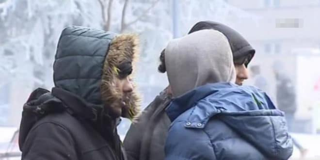 Мигранти масовно упадају у куће по Kуршумлији, грађани им давали храну за узврат добили насиље! 1
