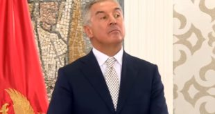 Мило Ђукановић одваљен од кокаина на конференцији за штампу (видео) 11