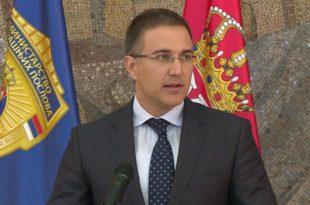 А што ти Стефановићу не би дао оставку јер си лично убици потписао дозволу за ношење оружја?