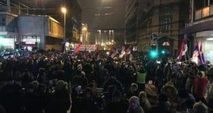 Београд: Протести у Београду из недеље у недељу све масовнији! (видео) 6