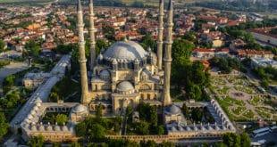 Турска шиптарима поклања отоманску џамију у Приштини 11