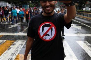 Венецуела: Најмање 16 особа погинуло у сукобима током антивладиних протеста (видео) 3