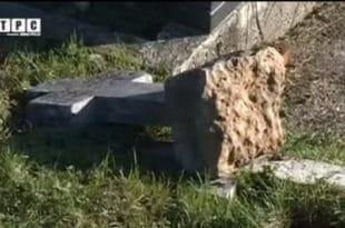 Са сарајевских гробаља уклањају 13.000 српских гробова, а кости спаљују (видео)