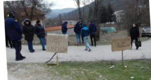 Радници покушали да блокирају пут Вучићу, интервенисала и полиција! 2