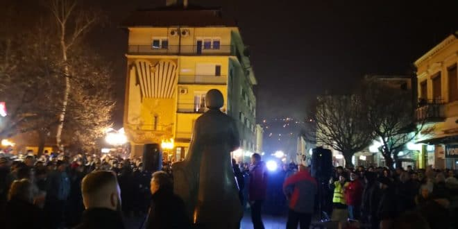 УСТАНАК! Широм Србије и данас протести против велеиздајника и лопова (фото, видео) 1