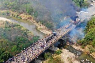 Жестоко сукоби на граници Венецуеле и Колумбије (видео)