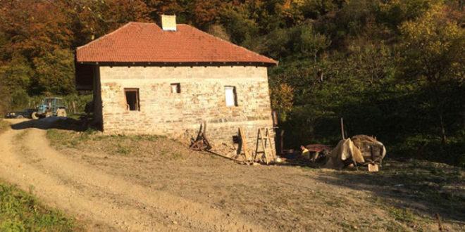 Шиптарске терористичке банде упале у два села код Кушрумлије! 1