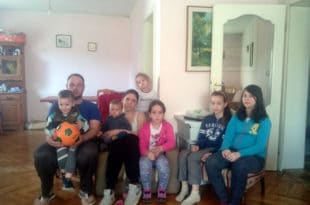 Крагујевац: КРЕТЕНИ из ЕПС-а искључили струју ОСМОЧЛАНОЈ породици! 4