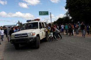 Сукоби на граници Венецуеле и Бразила, четворо погинулo, више десетина рањених (видео)