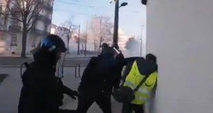 """""""Жути прслуци"""" поново на улицама широм Француске, заказан велики протест на Шанзелизеу (видео) 7"""
