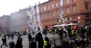 """Француски глобалистички режим буквално бомбардује """"Жуте прслуке"""" гасом! (видео) 11"""