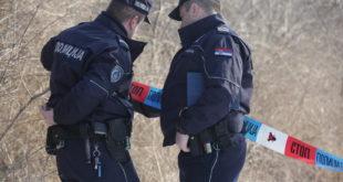 ВУЧИЋЕВА ПОЛИЦИЈА Полицајци са маскама опљачкали пошту у околини Јагодине! 3