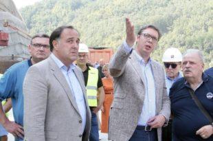 Вучић брани Зорана Бабића и прети народу (видео)