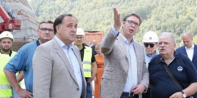 Зоран Бабић поднео ОСТАВKУ пре 7 месеци, а ЈОШ УВЕK директор