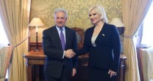ОВА НИЈЕ НОРМАЛНА! Па Британија излази из ЕУ а даје подршку Србији да уђе у њу?! 9
