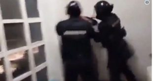 """Погледајте иживљавање припадника """"Жандармерије"""" над средњошколцима у згради РТС-а (видео)"""