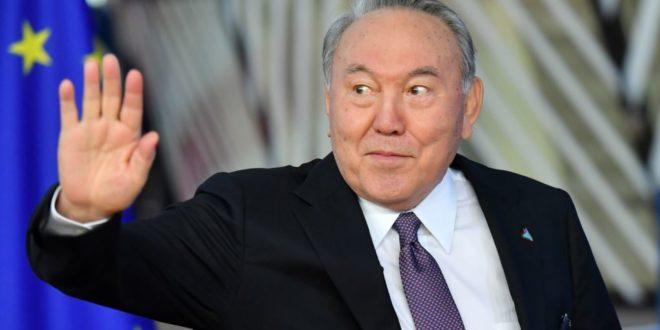 Назарбајев поднео оставку 1