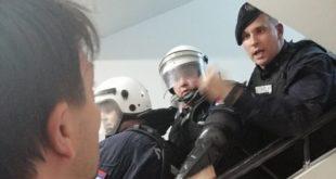 ОБРАДОВИЋ И ЂИЛАС се обраћају у холу РТС: Позивамо све грађане Србије да дођу овде (видео)
