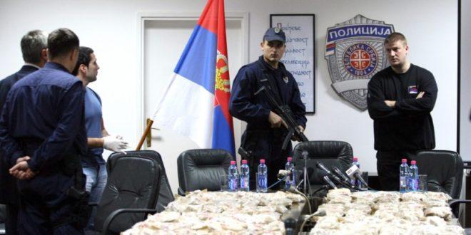 """Полицајац: Ми хапсимо криминалце и нарко дилере а из врха полиције наређују """"ПУШТАЈ"""""""