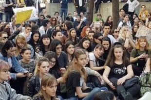Ђаци Филолошке: Позваћемо ученике осталих школа на протест (фото, видео) 1