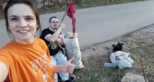 Темска: Брат и сестрa очистили три километра пута 2