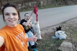 Темска: Брат и сестрa очистили три километра пута