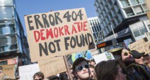 """""""Мрачни дан за интернет"""": Парламент ЕУ изгласао контроверзну реформу ауторских права"""