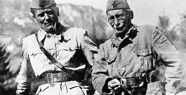 Која бре АП Војводина олошу бољшевички, то су Тито и Пијаде декретом створили!