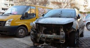 Судском извршитељу запалили џип 10