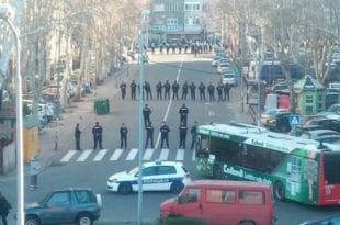 Светски медији о антирежимском протесту у Београду и Вучићевој конференцији 2
