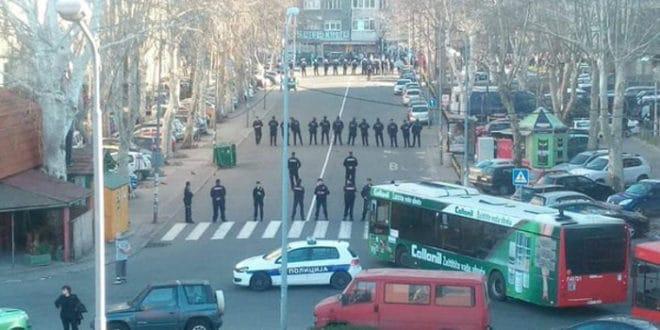 Светски медији о антирежимском протесту у Београду и Вучићевој конференцији 1