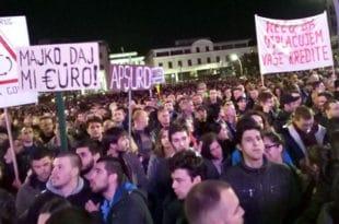 Црна Гора: Оставке, или дижу буну 6