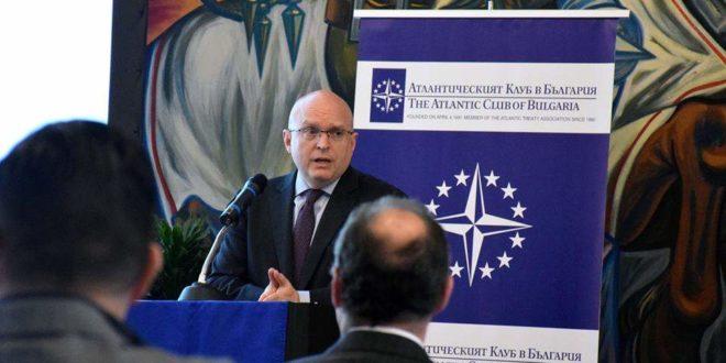 """Србија да се фокусира на свој """"стратешки интерес"""" и да неутралише терористичке банде 1"""
